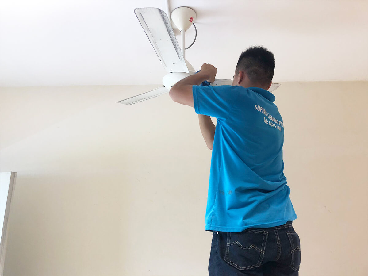 superb-cleaning-fan-indoor-house-singapore