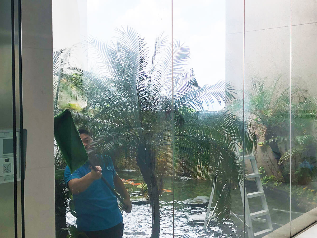 superb-cleaning-window-singapore-office